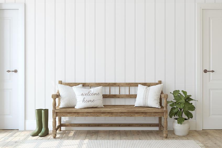 Ingresso pareti bianche in legno