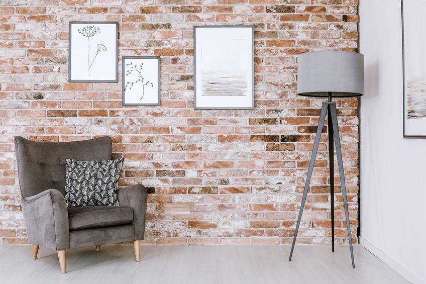 Rinnovare il soggiorno: rivestimenti originali per pareti