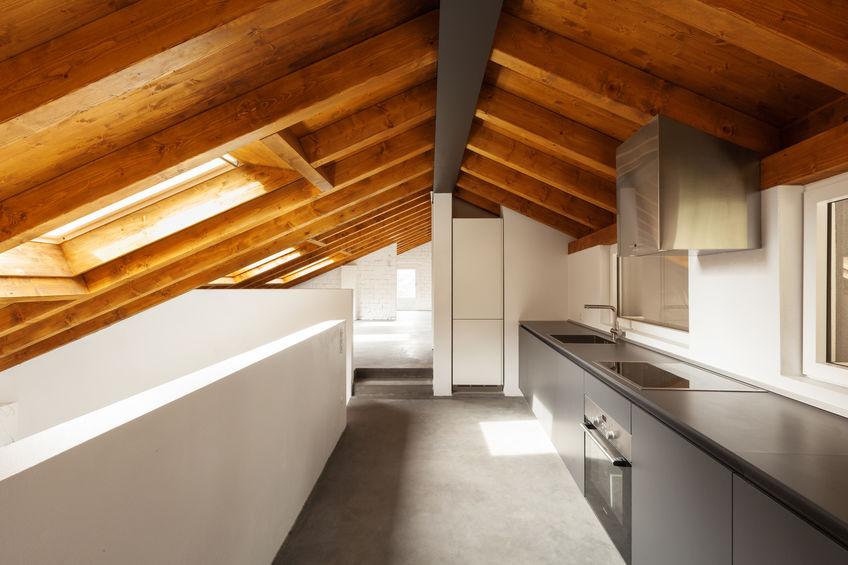 Finestre sul tetto in legno: costi di installazione