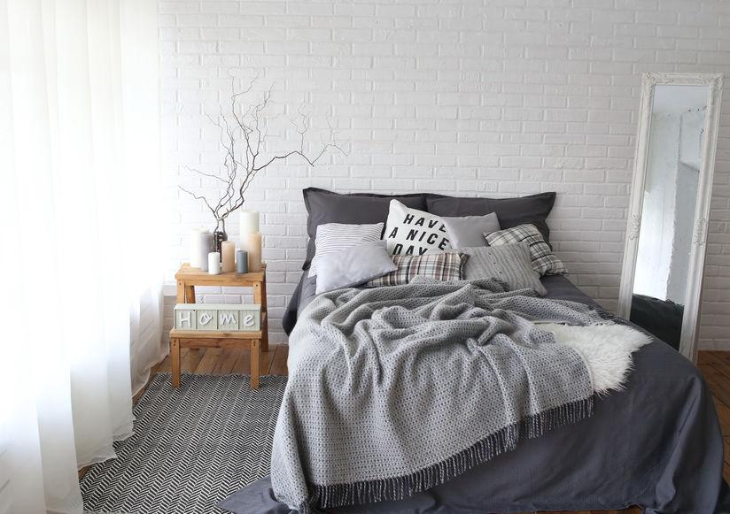 Pareti in una camera da letto in stile scandinavo