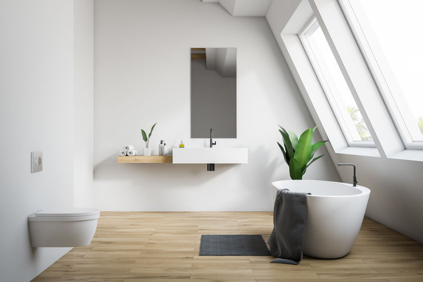 bagno elegante in mansarda