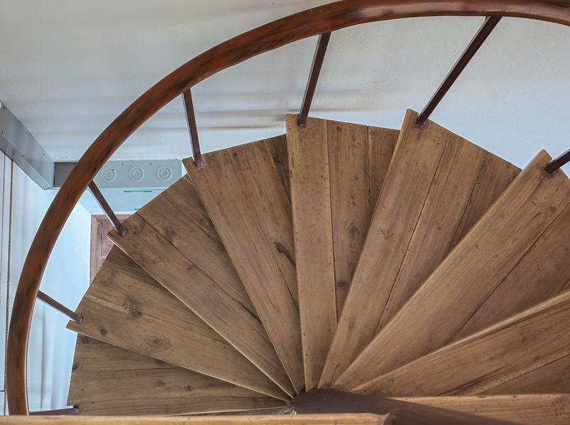 scale a chiocciola in legno
