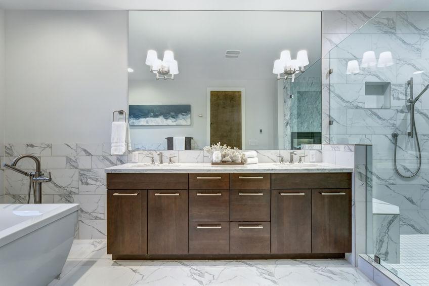 rivestimenti bagno in marmo di Carrara