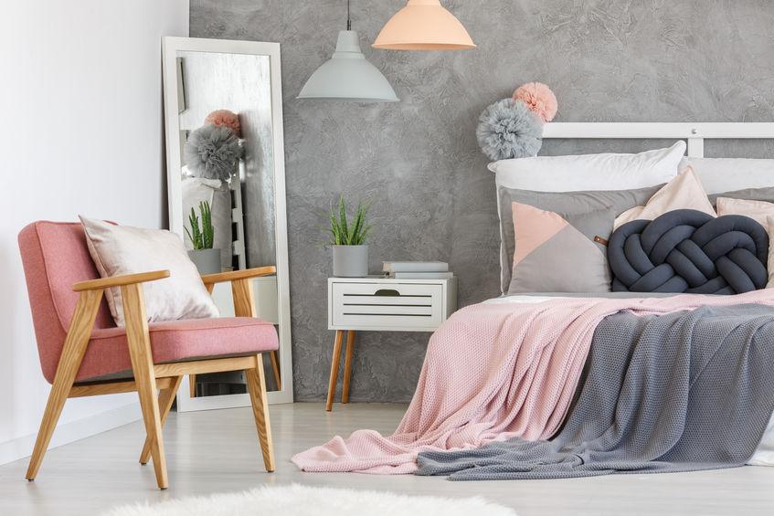 camera teenager rosa e grigio