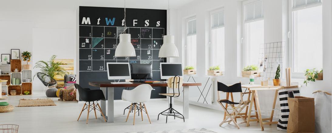 Funzionale parete lavagna nella zona lavoro