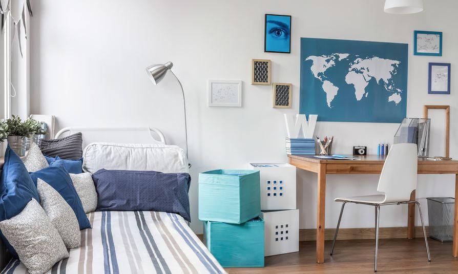 cameretta bianca e azzurra