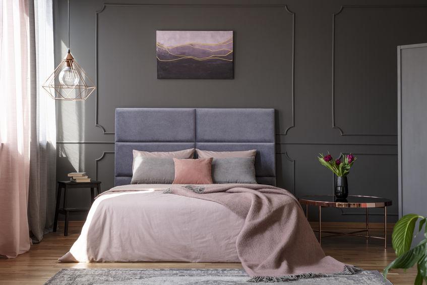 camera da letto rosa e grigio