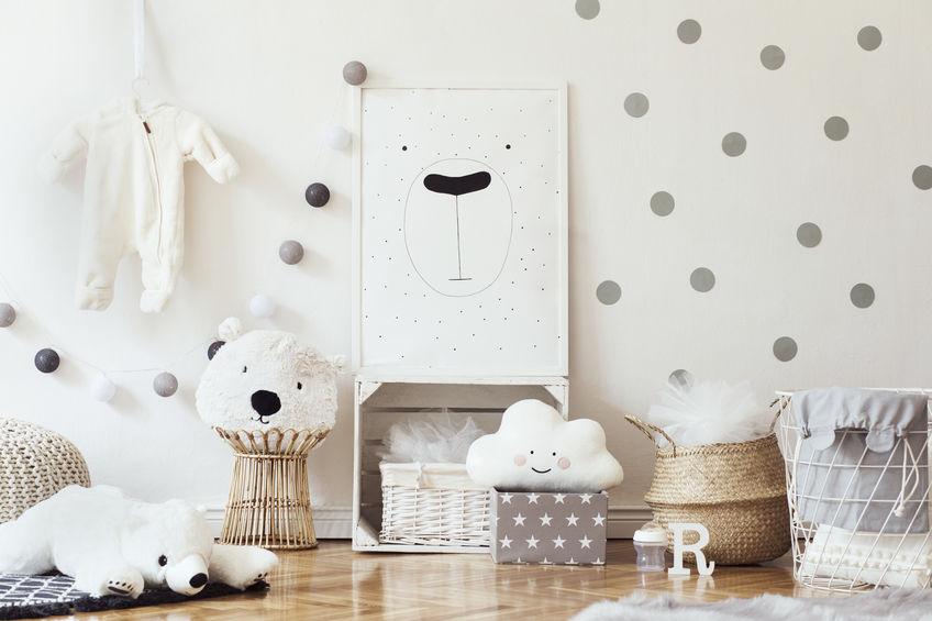 Cameretta per bambini: contenitori per giocattoli e peluche