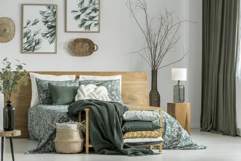 Camera da letto in verde bosco: ricercata e di tendenza