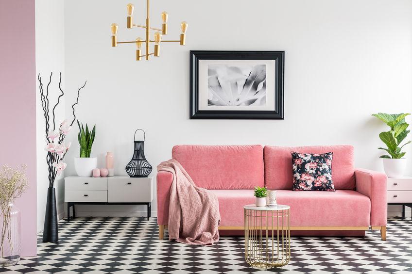 Pavimento a scacchi in soggiorno
