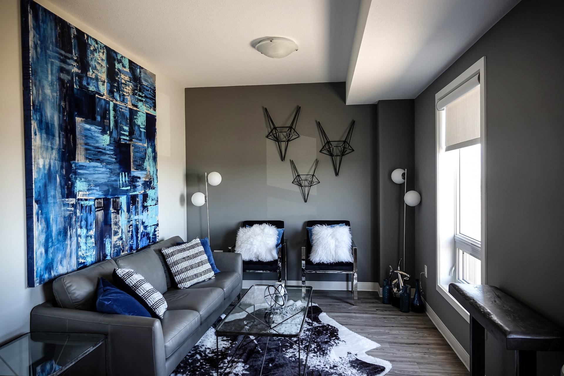 Divano grigio: moderno in pelle
