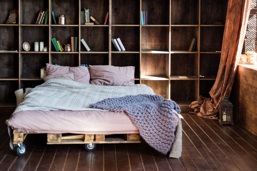 Pallet di legno: unici in camera matrimoniale
