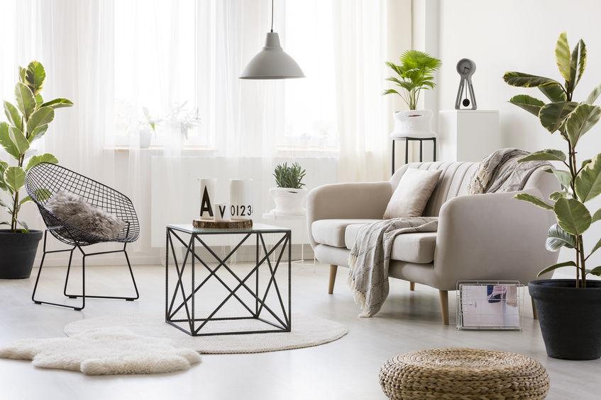 Tavolini in metallo leggeri e di design