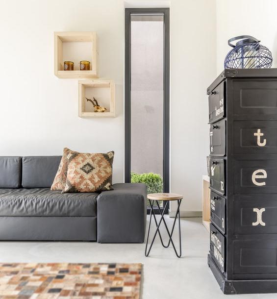 Arredi in metallo: tendenza di design per interni