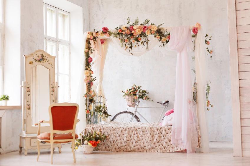 Stile provenzale: colori per decorare una camera da letto