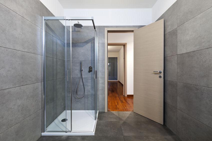 Box doccia con apertura scorrevole ad angolo