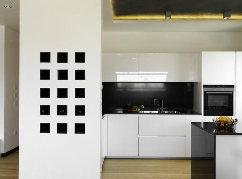 portabottiglie a parete minimalista