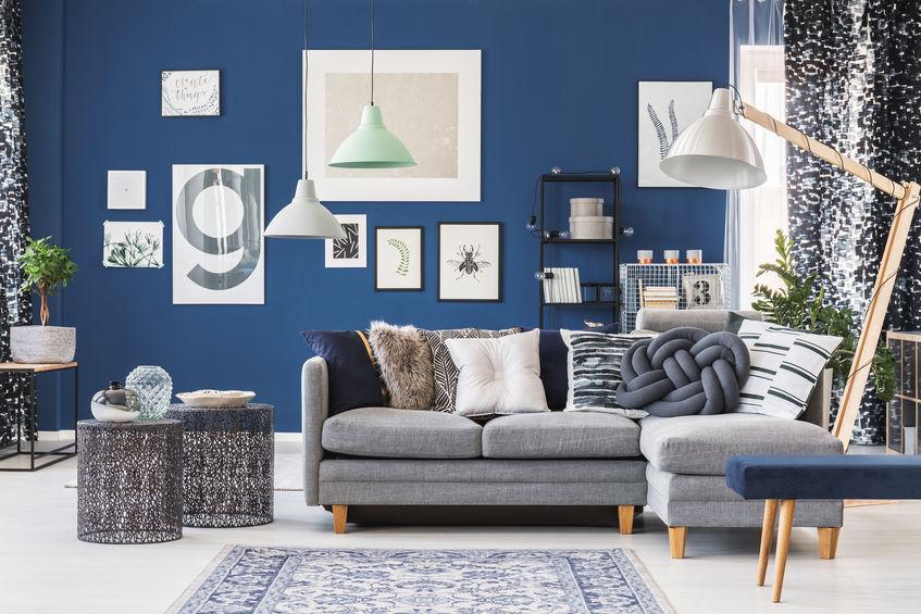 Arredare il soggiorno in blu