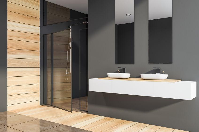 Legno in bagno: pareti di design