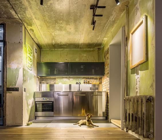 Cucina: contenuta e organizzata