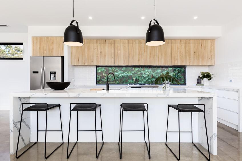 sgabelli e lampade cucina