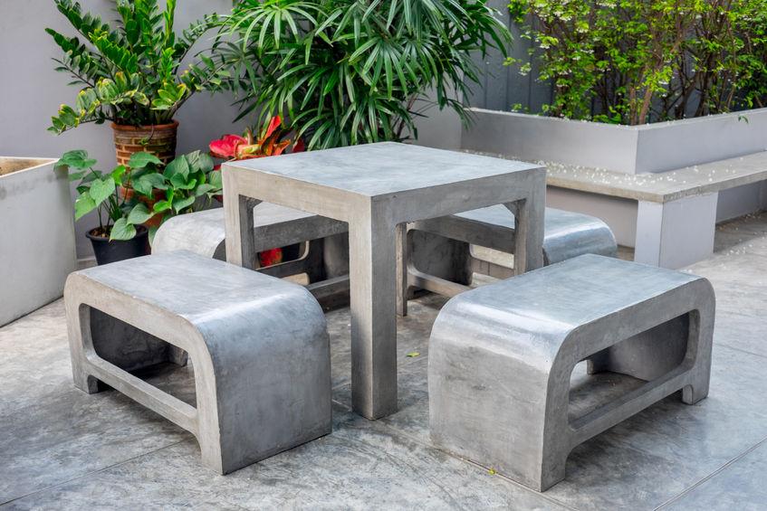 Cemento in casa: arredi outdoor