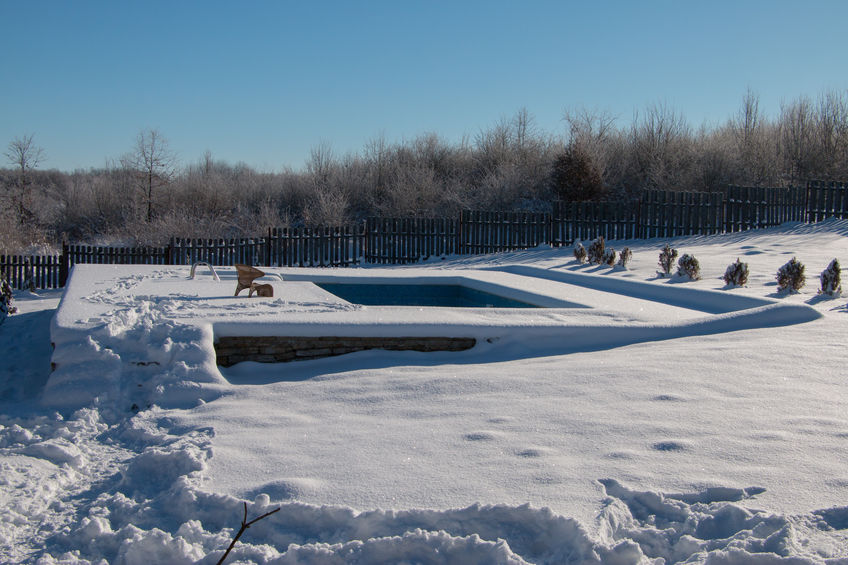 manutenzione piscina in inverno