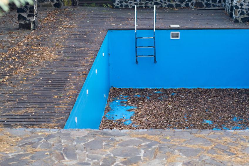 svuotare piscina