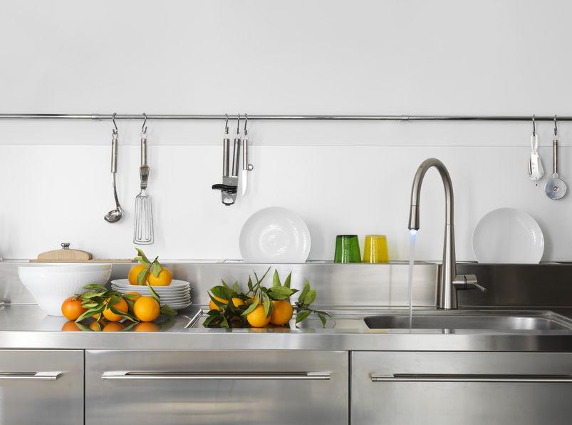 Rubinetti in cucina: a cigno