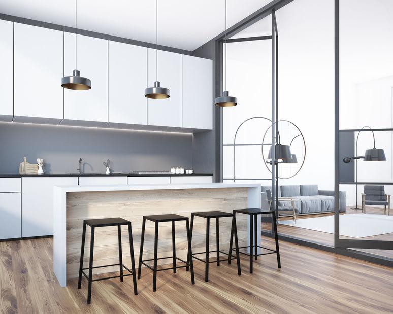Sgabelli in metallo: purezza nelle forme in cucina