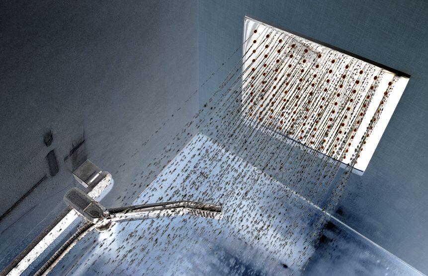 soffione doccia a soffitto