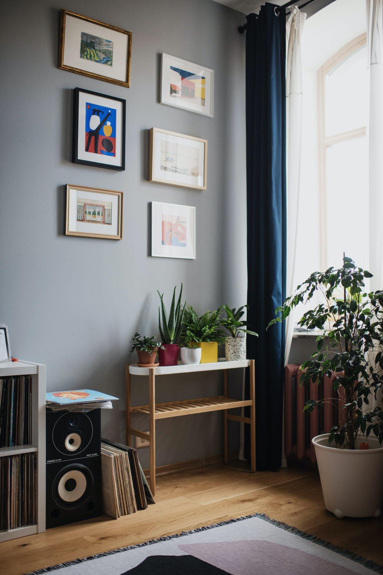 Zona giorno: cornici per decorare le pareti