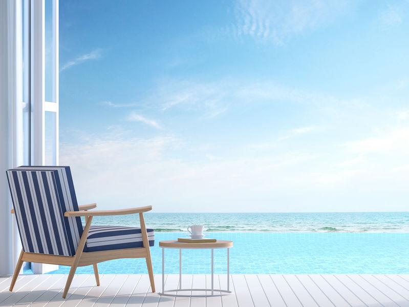Illuminare la terrazza con un parquet in bianco