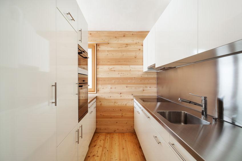 Come rinnovare la classica mini cucina in poche mosse