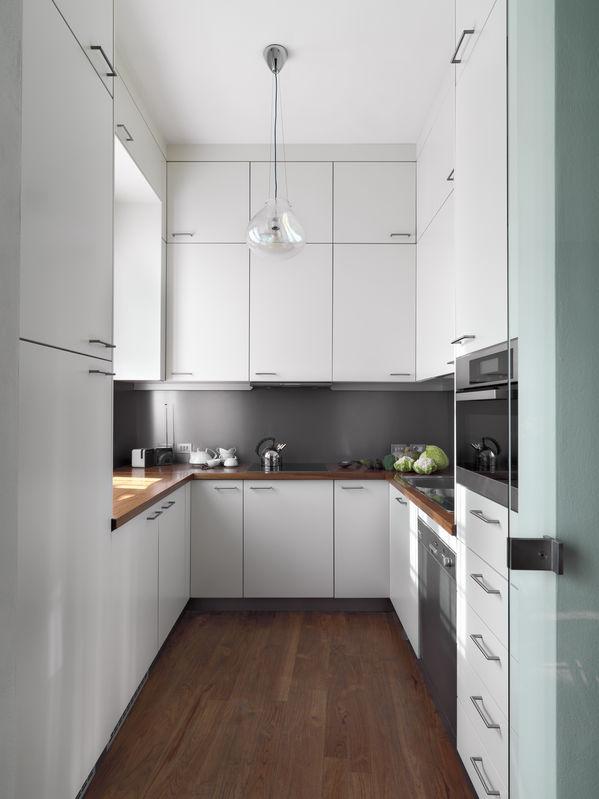 Mini cucina: usa mobili su misura e sfrutta le altezze
