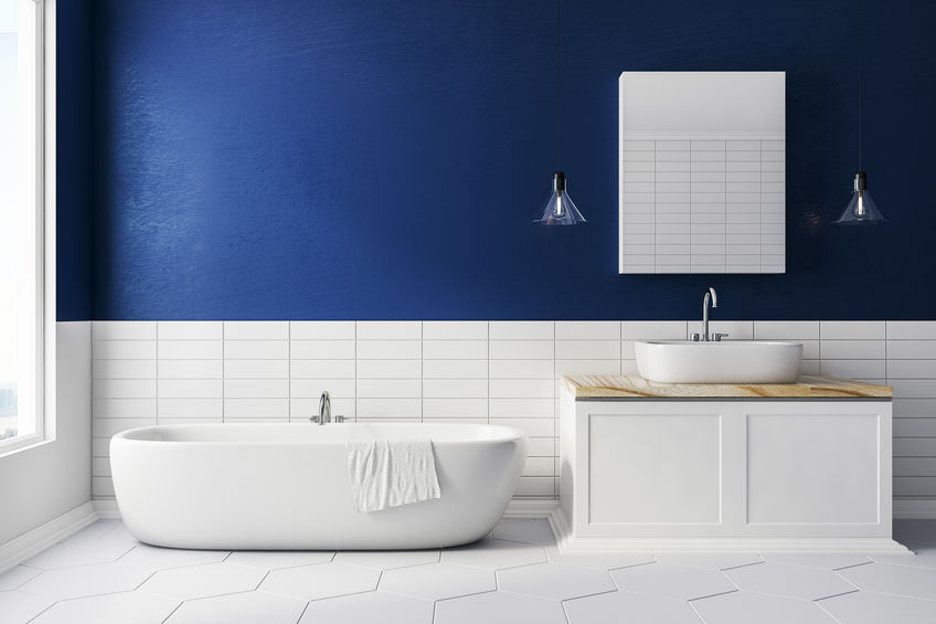 Mix di colori: arredare in bianco e blu