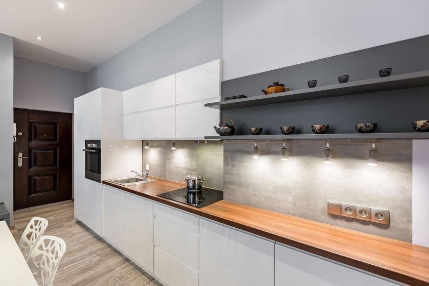 Maniglie in cucina: apertura a gola