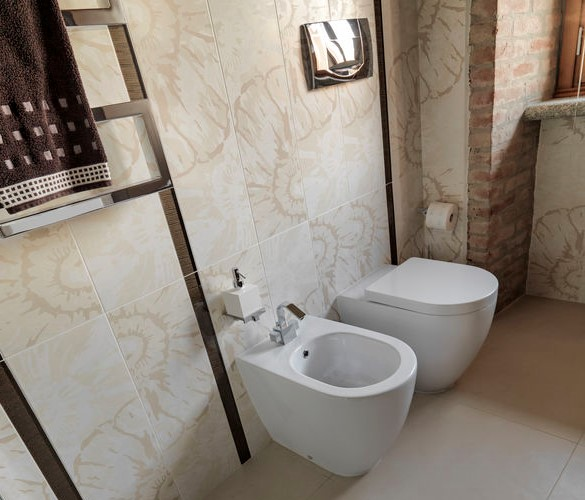 wc e bidet filo muro