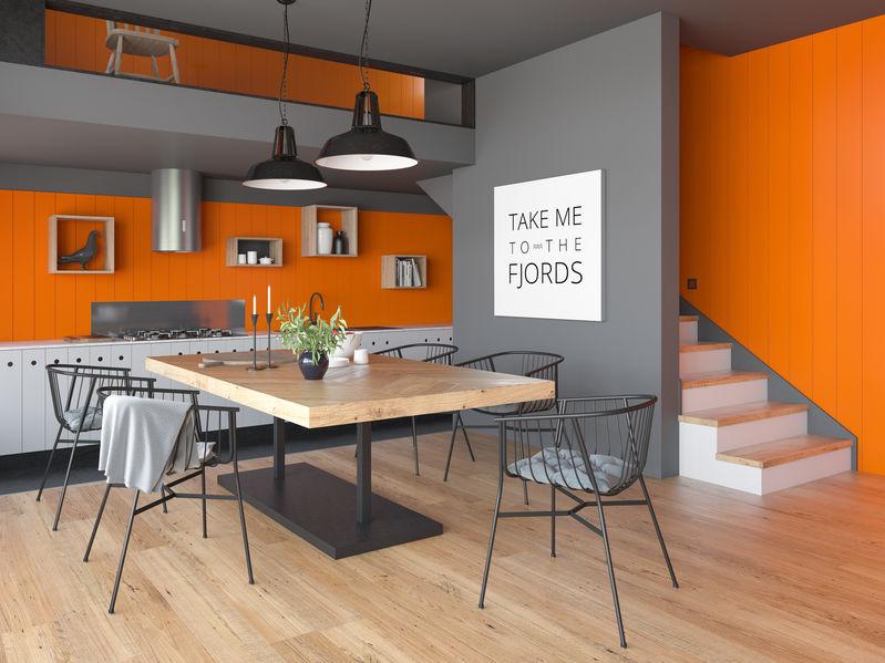 cucina arancione e grigia