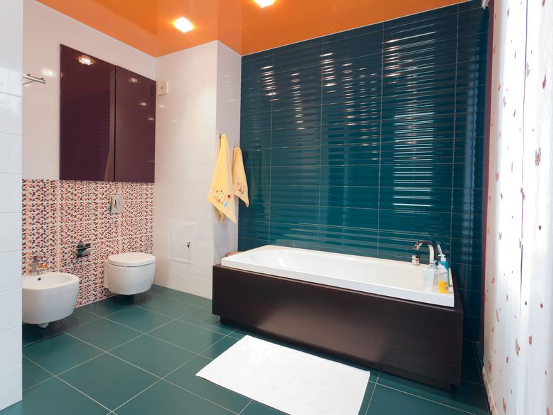 soffitto bagno arancione