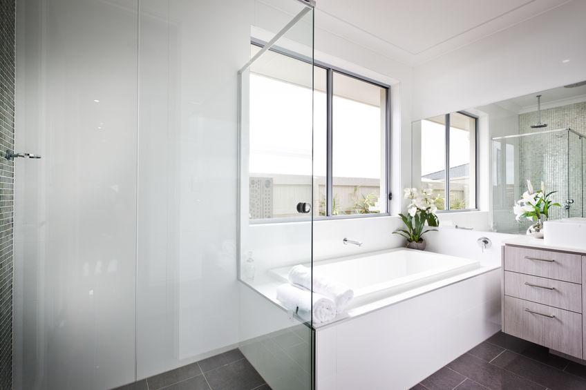 vasca da bagno e box doccia