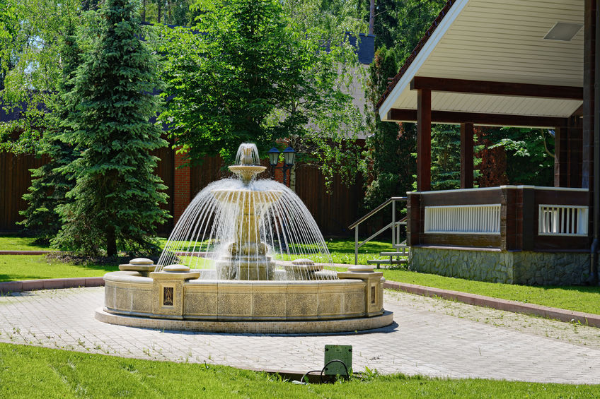 fontana centrale da giardino