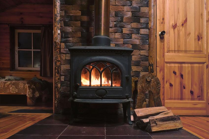 Stufa a legna in casa: pianifica la manutenzione