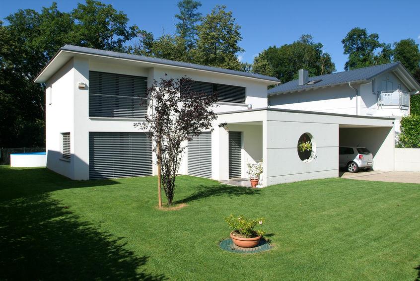 Porta d'ingresso per una villa moderna: minimal style