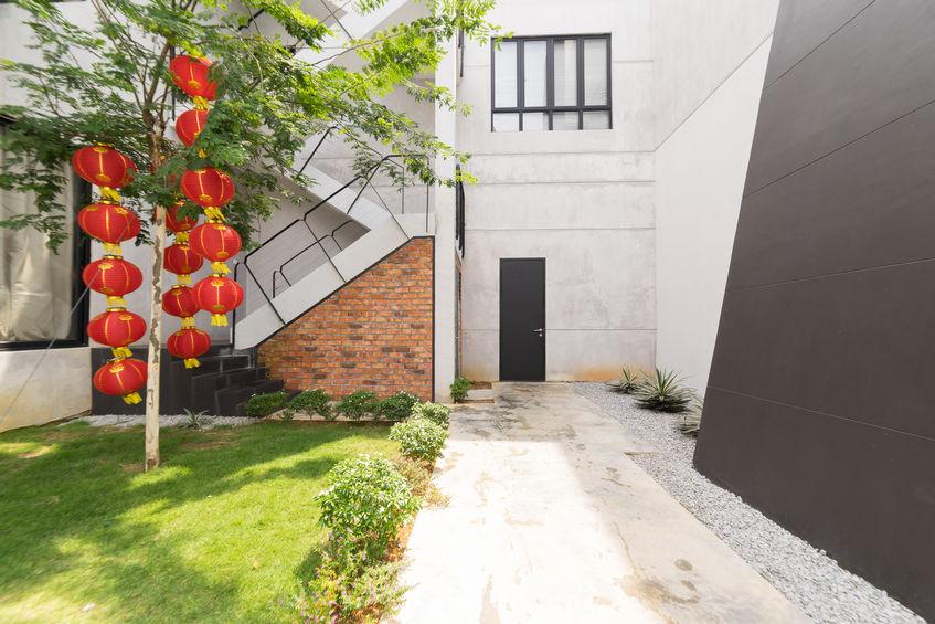 Porta d'ingresso moderna in stile loft