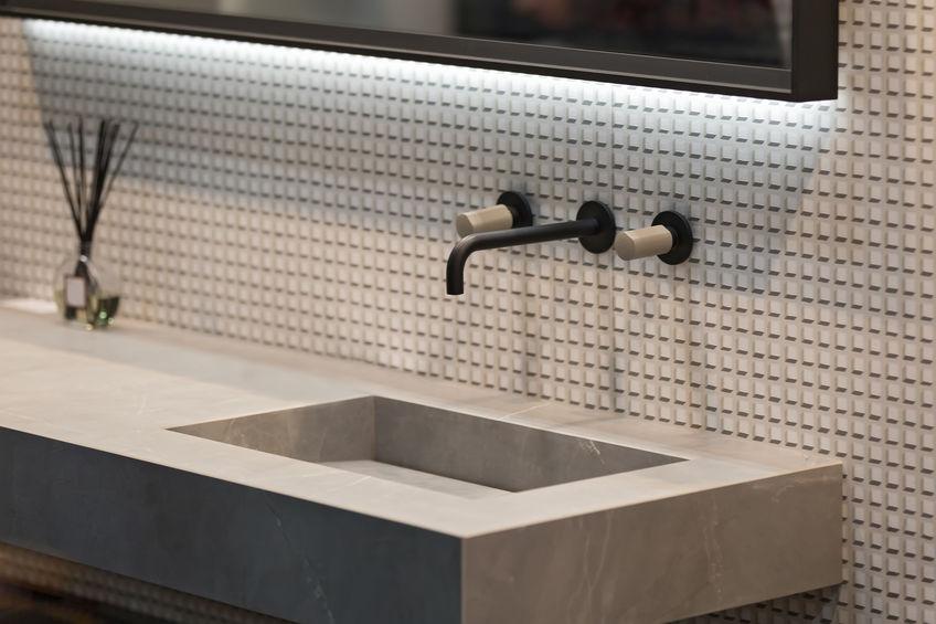 Bagno: cosa valutare per scegliere i rubinetti a parete