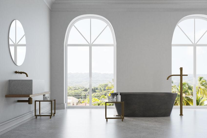 Rubinetti a parete in bagno: analizza i pro