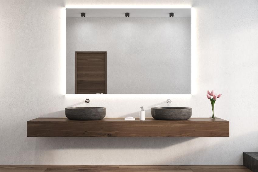 Specchio in bagno: retroilluminazione led
