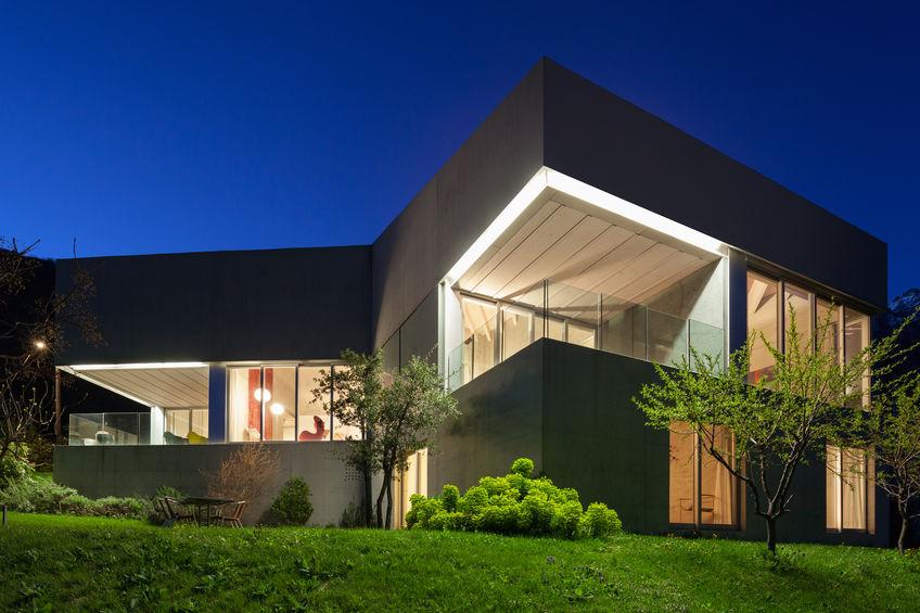 Outdoor lighting: illuminare la facciata di casa con i led