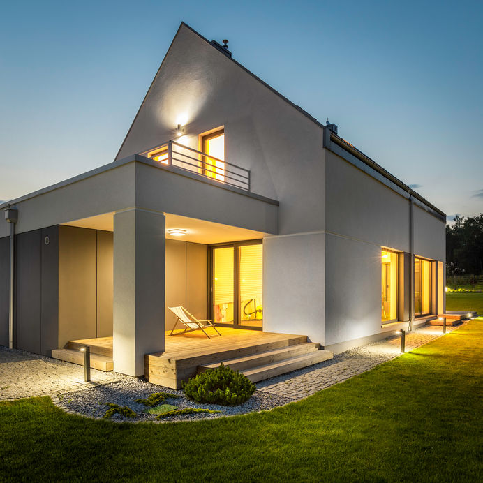 Outdoor lighting: come illuminare la facciata di casa